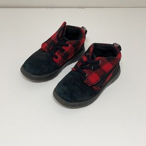 UGG red and black toddler boots size 8